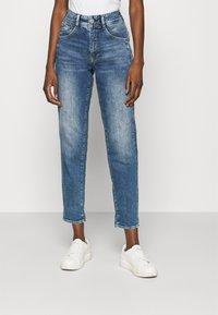 Herrlicher - GILA CONIC RECYCLED - Straight leg jeans - retro marvel - 0