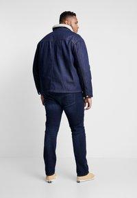Jack & Jones - JJIHANK JJJACKET  - Veste en jean - blue denim - 2