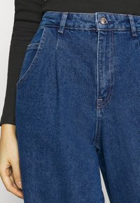 ONLY - ONLVERNA BALLOON  - Relaxed fit jeans - dark blue denim - 3