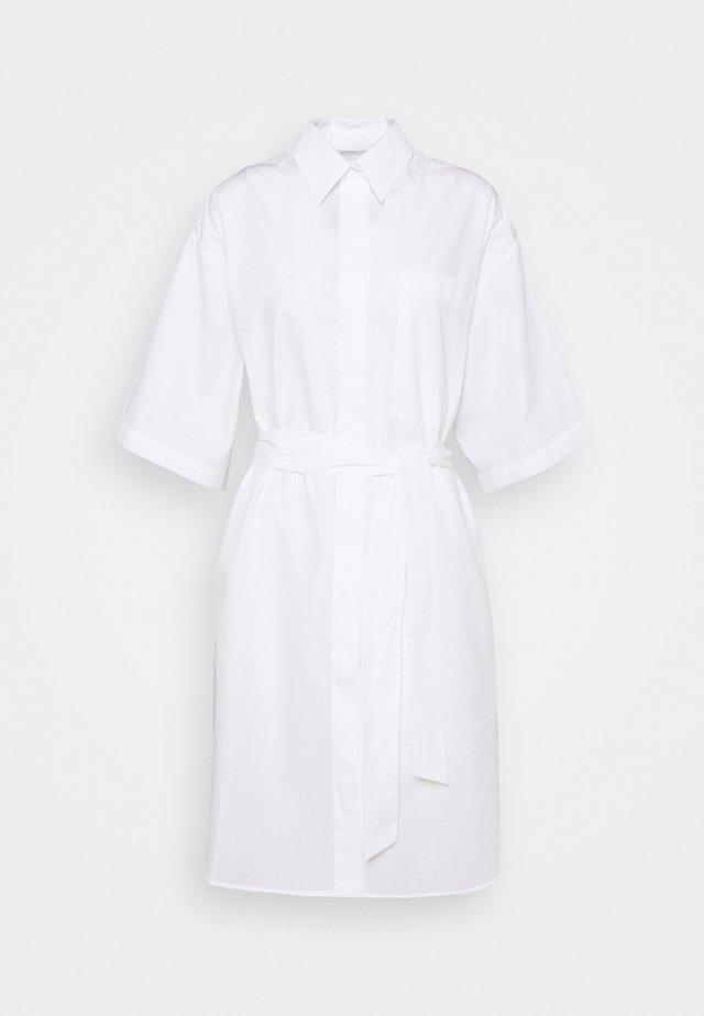 KYLE - Skjortklänning - white