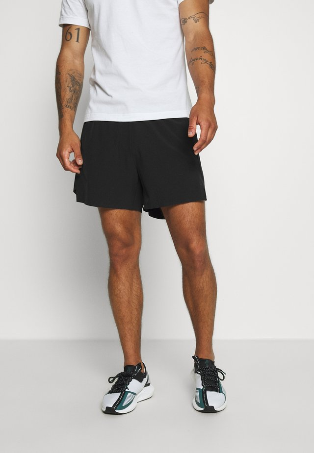 RUN SHORT - Urheilushortsit - black