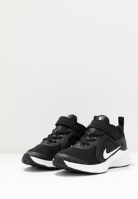 Nike Performance - DOWNSHIFTER 10 UNISEX - Hardloopschoenen neutraal - black/white/anthracite - 3