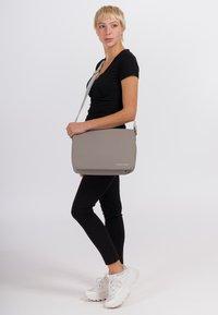 SURI FREY - JESSY - Across body bag - taupe - 1