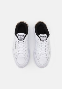 Reebok Classic - AD COURT - Zapatillas - footwear white/core black - 5