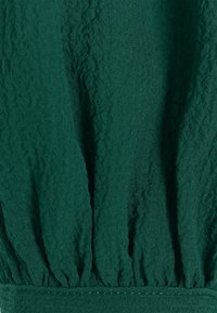 Vero Moda Petite - VMAYA PLEAT PETITE - Button-down blouse - pine grove - 2