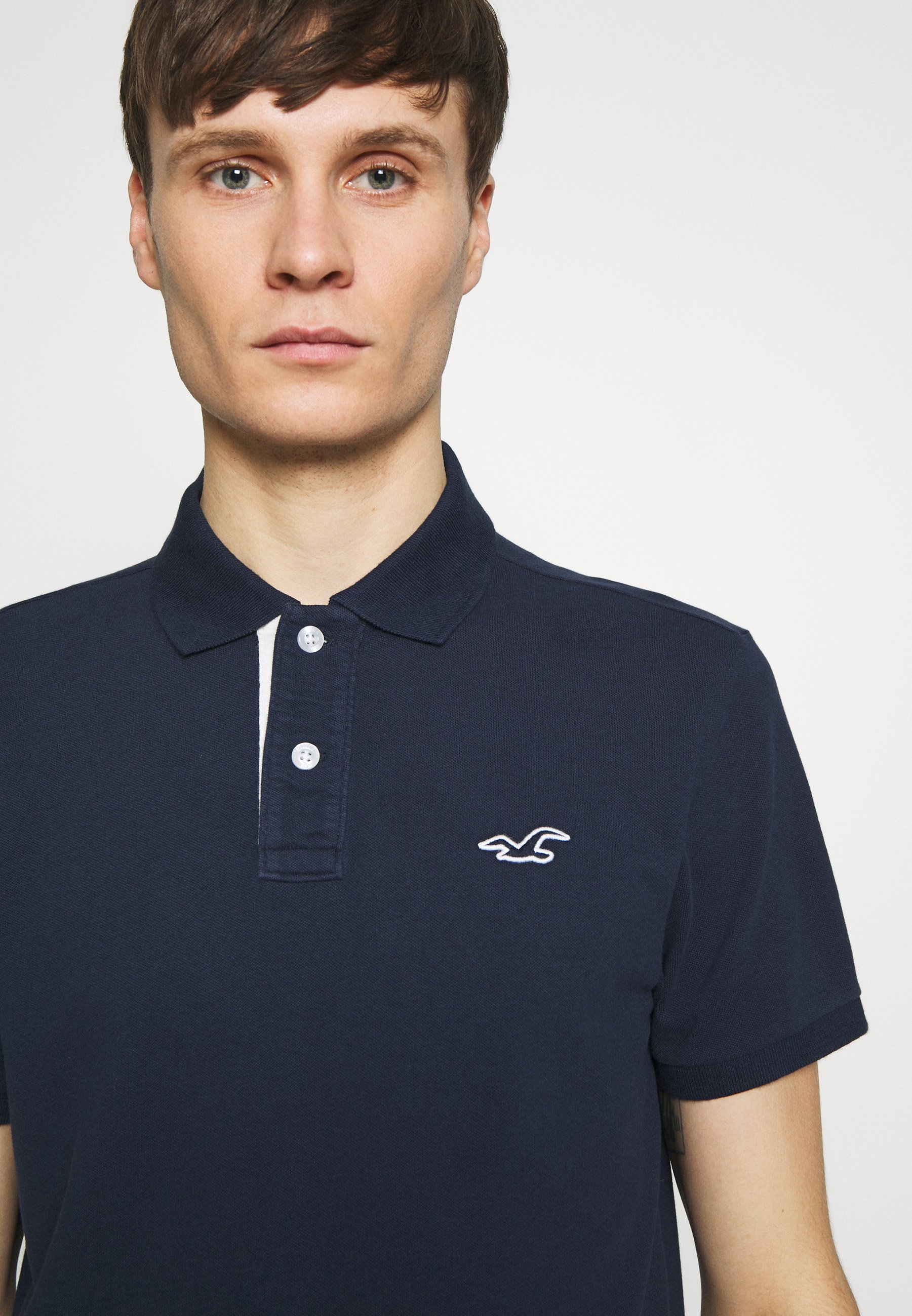 Hollister Co. HERITAGE SOLID NEUTRALS - Polo shirt - navy kUBzK