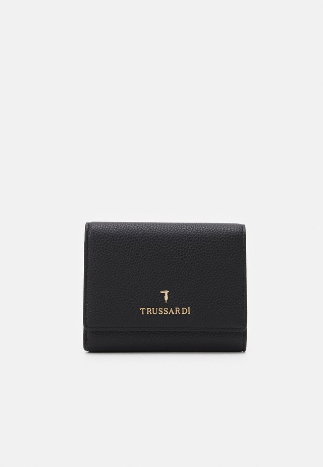 PRE TRIFOLD GRANA CERVO - Wallet - black