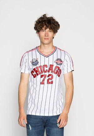TIGON - T-shirt med print - white