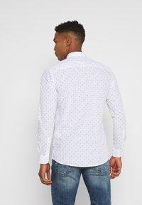 Only & Sons - ONSTAYLON DITSY - Camisa - bright white - 2