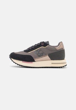 HAZEL - Sneakers laag - black/taupe
