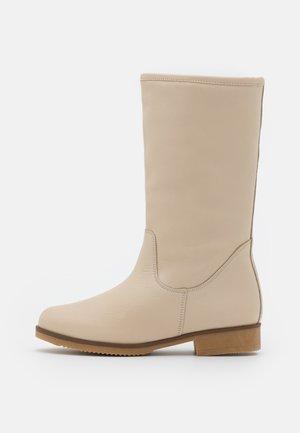 Winter boots - tamesis ibory