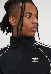 adidas Originals - Let jakke / Sommerjakker - black - 4