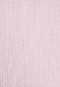 Gina Tricot Petite - MARGOT PETITE BUSTIER - T-shirt basic - lilac snow - 2