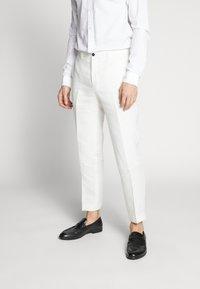 Viggo - FINNMARK TROUSER - Pantaloni - white - 0
