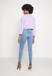 Rich & Royal - MIDI STRIPE - Jeans slim fit - denim blue - 2