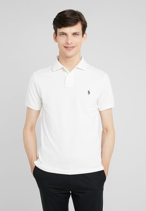 SLIM FIT MODEL - Polo - nevis