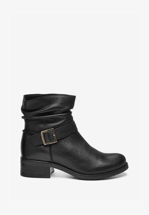 FOREVER  - Kovbojské/motorkářské boty - black