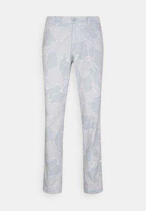 TIM GOLF PANT - Kalhoty - stone grey