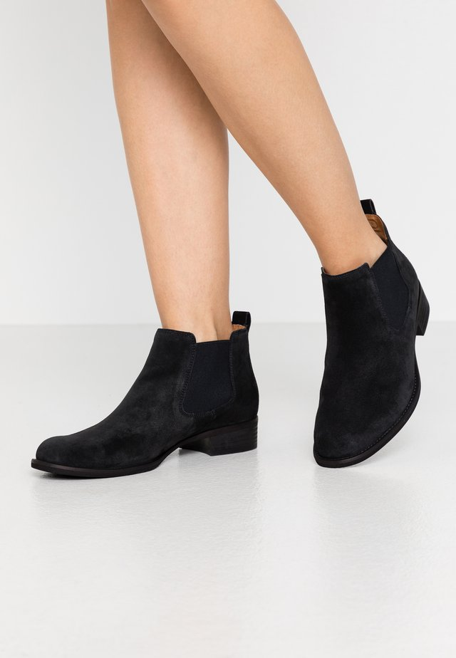 Ankle boot - pazifik
