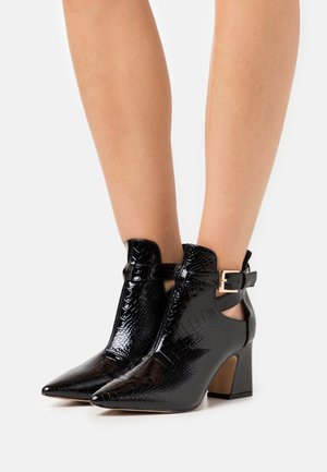 ADELINA - Kotníková obuv - black