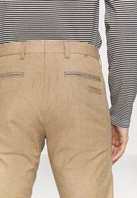 Tommy Hilfiger Tailored - FLEX CONTRAST DETAIL SLIM PANT - Broek - beige - 5