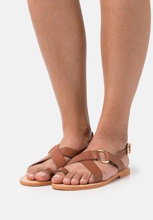 WARHOL - T-bar sandals - cognac