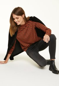 comma casual identity - Long sleeved top - cognac stripes - 1