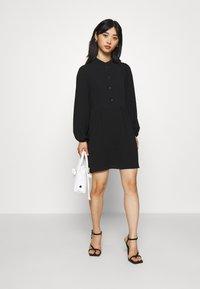 Vero Moda Petite - VMSAGA PLEAT SHORT DRESS - Shirt dress - black - 1