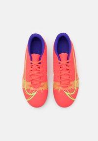 Nike Performance - MERCURIAL JR VAPOR 14 CLUB FG/MG UNISEX - Kopačky lisovky - bright crimson/metallic silver - 3