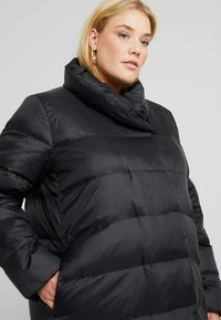 Zalando Essentials Curvy - Down coat - black - 3