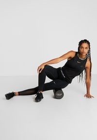 Casall - FOAM ROLL SMALL - Fitness/yoga - black - 0