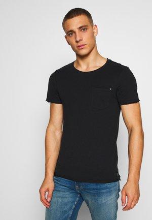 SLIM  - Basic T-shirt - black