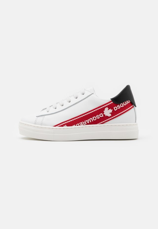 UNISEX - Sneaker low - white/red