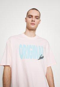 Levi's® - GRAPHIC TEE - T-shirt con stampa - original veiled rose - 4