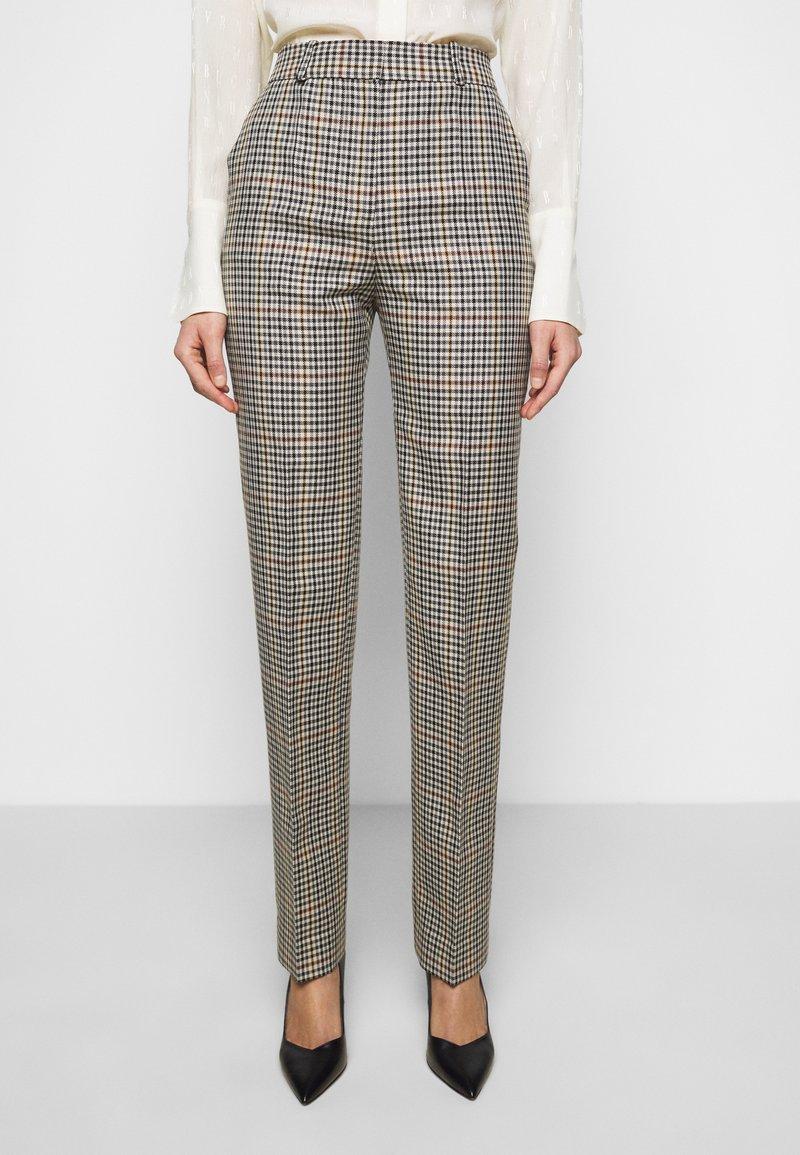 Victoria Victoria Beckham - DRAINPIPE CHECK TROUSER - Trousers - cream check