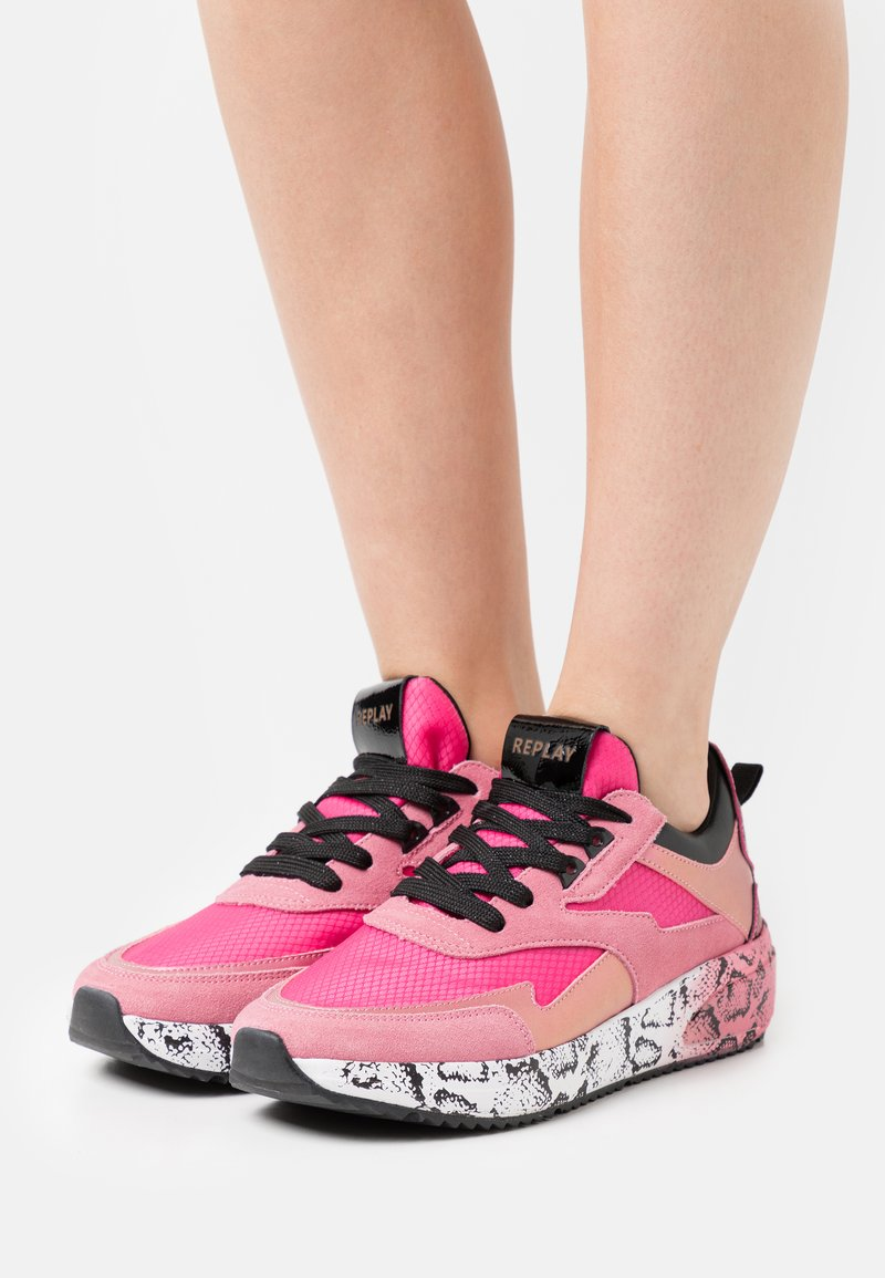 Replay - SIERRA - Trainers - pink/black