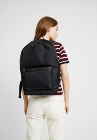 Tommy Hilfiger - ELEVATED BACKPACK - Batoh - blue - 5