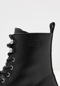 Versace Jeans Couture - Lace-up ankle boots - black - 5