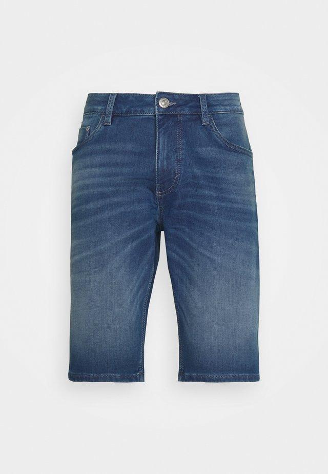 JOSH - Shorts di jeans - mid stone wash denim