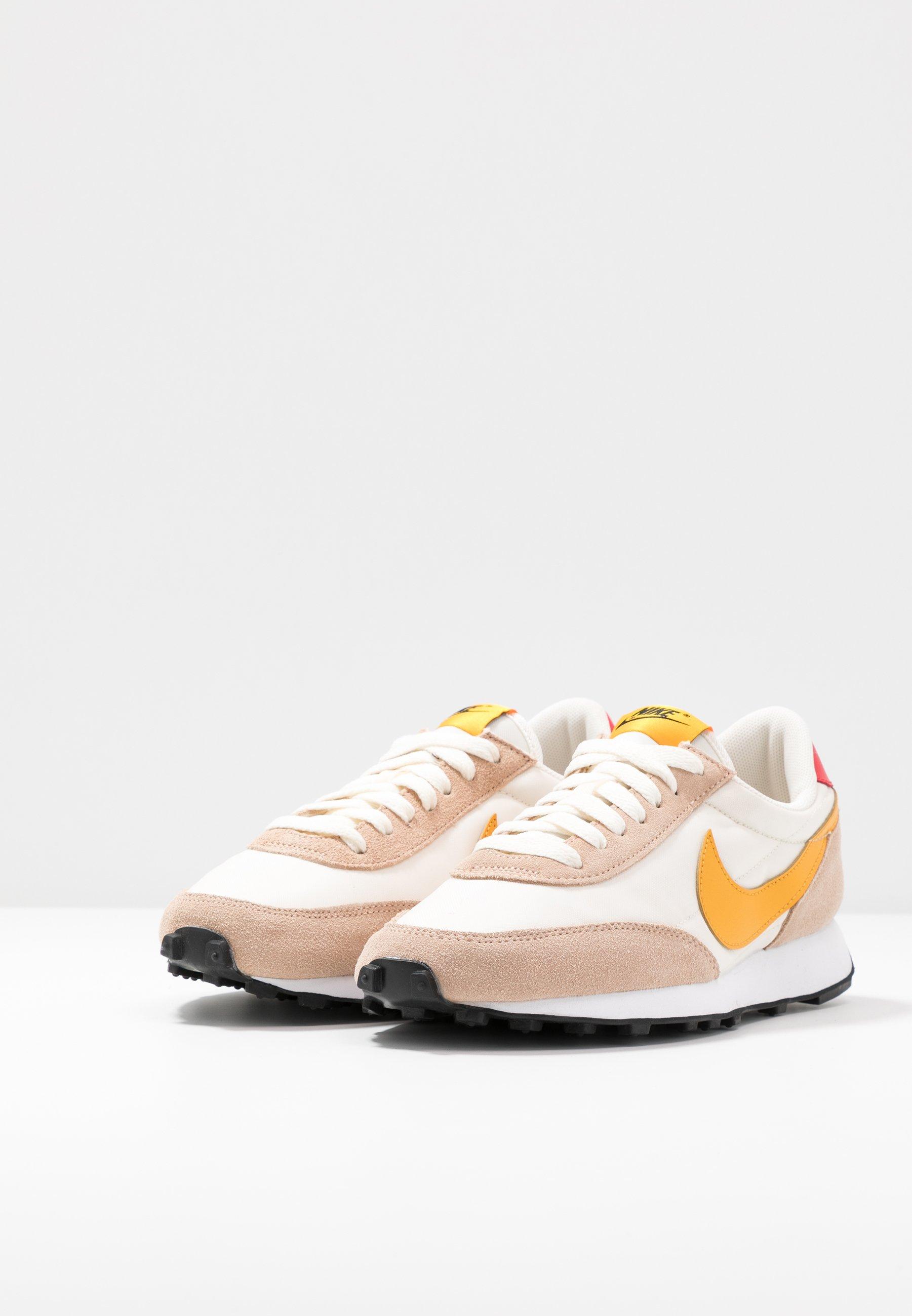 Nike Sportswear DAYBREAK Sneaker low pale ivory/pollen rise/shimmer/track red/black/white/beige