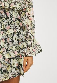 Gina Tricot - EXCLUSIVE ARCHER - Camicetta - black/multicoloured - 5