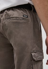 PULL&BEAR - Cargo trousers - brown - 5