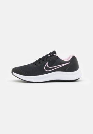 STAR RUNNER 3 UNISEX - Neutral running shoes - black/dark smoke grey/pink foam