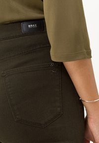 BRAX - STYLE MARY - Slim fit jeans - dark olive - 3