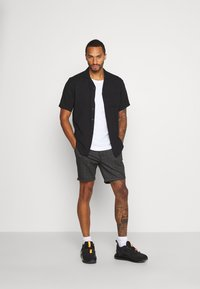 Brave Soul - Shorts - dark grey - 1