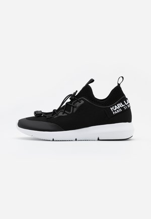 VITESSE CHAKRA CROSSLACE - Trainers - black