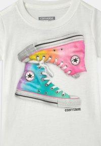 Converse - OMBRE CHUCKS - Camiseta estampada - white - 2