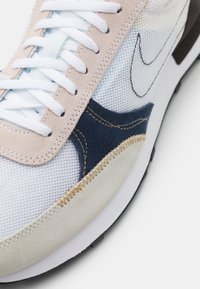 Nike Sportswear - DBREAK TYPE UNISEX - Trainers - white/university blue/velvet brown/obsidian/metallic gold - 7