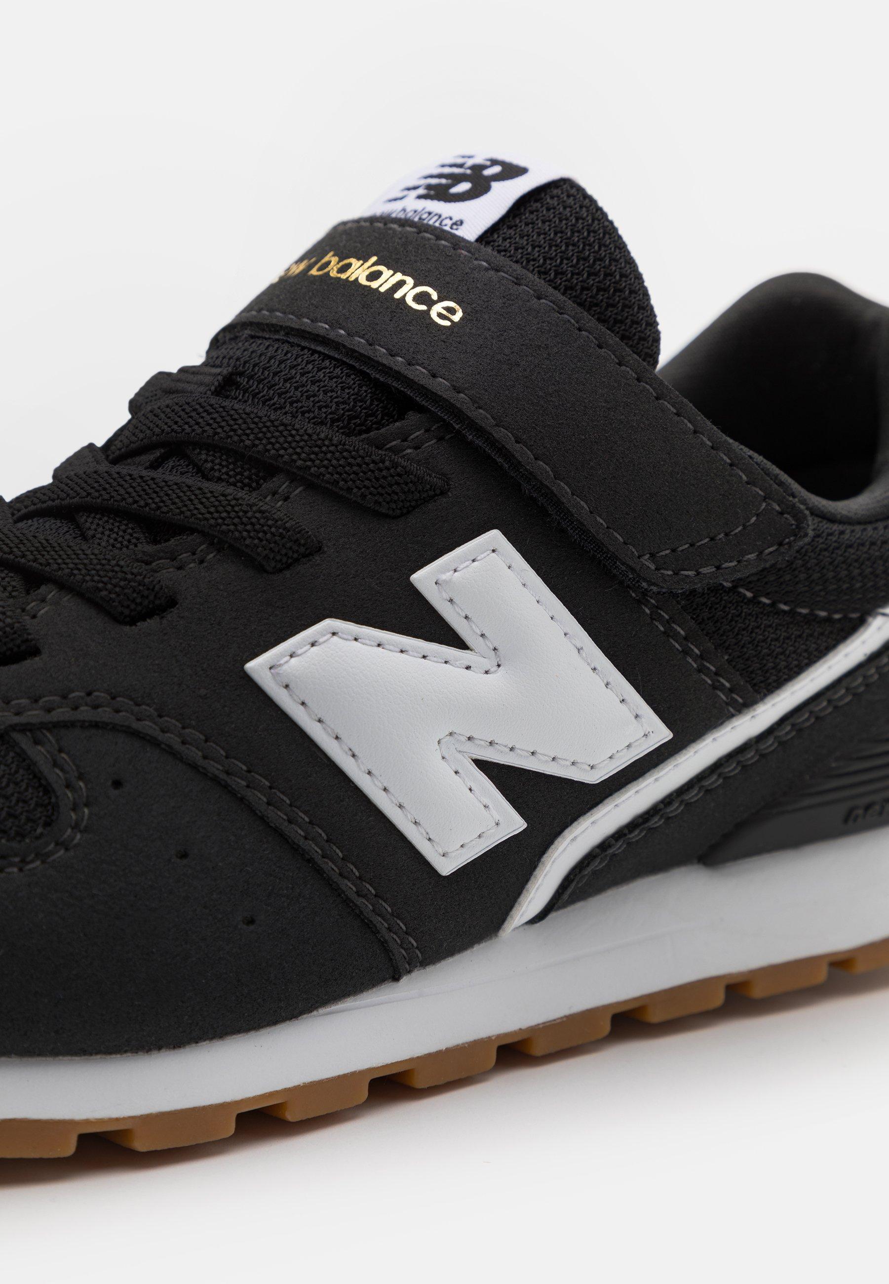 Kids YV996CPG UNISEX - Trainers - black