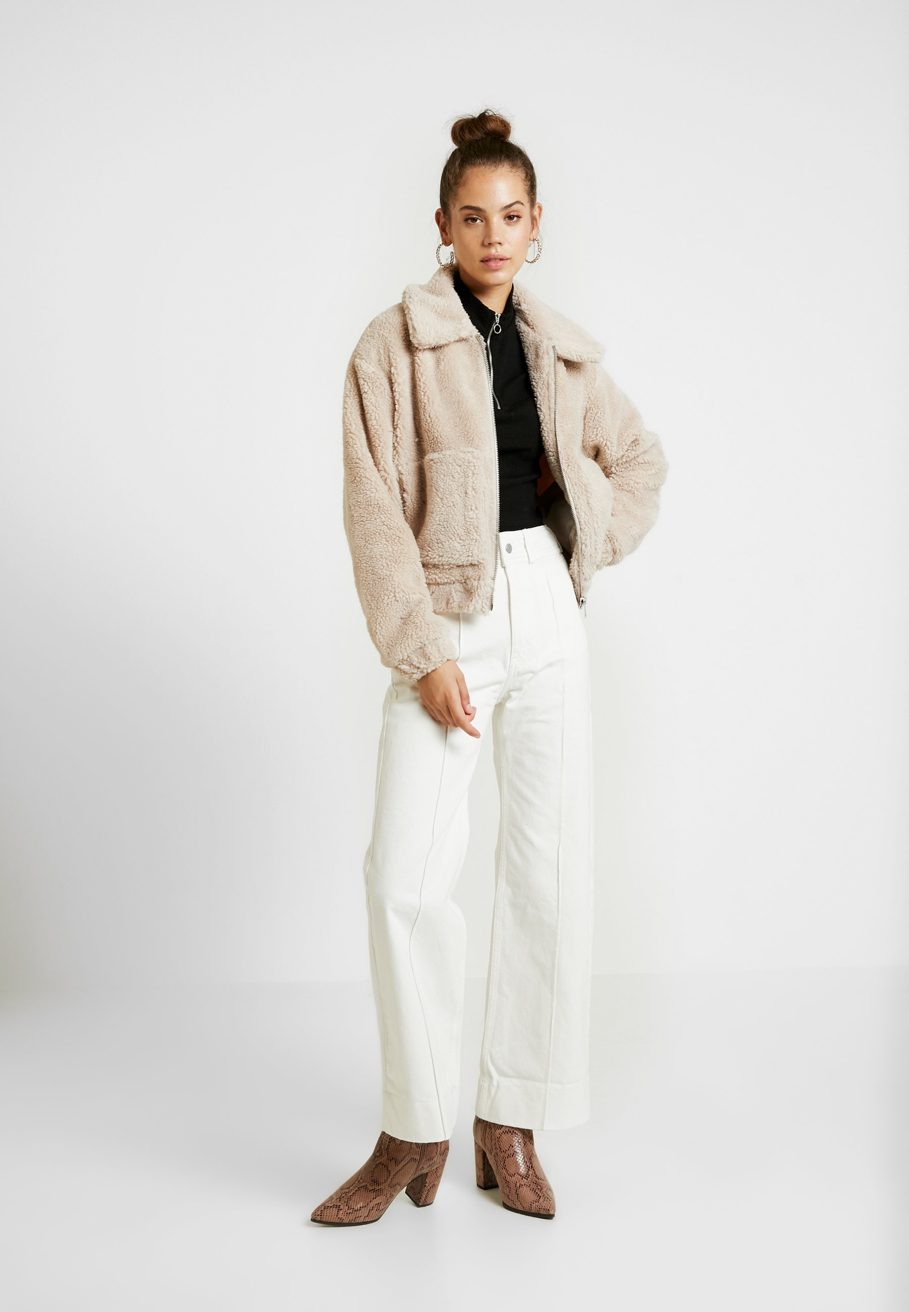 BDG Urban Outfitters CREAM CROPPED TEDDY Jas creamcrème